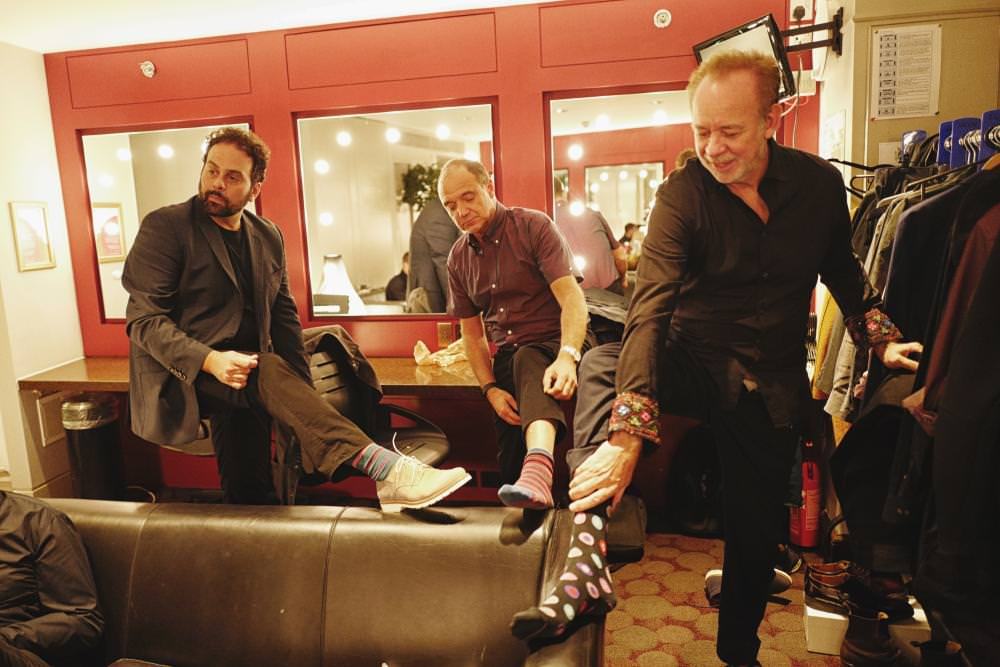 "Backstage, individuals from Gilmour's band – Jon Carin, Guy Pratt and Phil Manzanera, the previous Roxy Music guitarist – have a ""sock-off"". The opposition was pronounced a draw, with no performer's socks turned out to be more striking than the others."