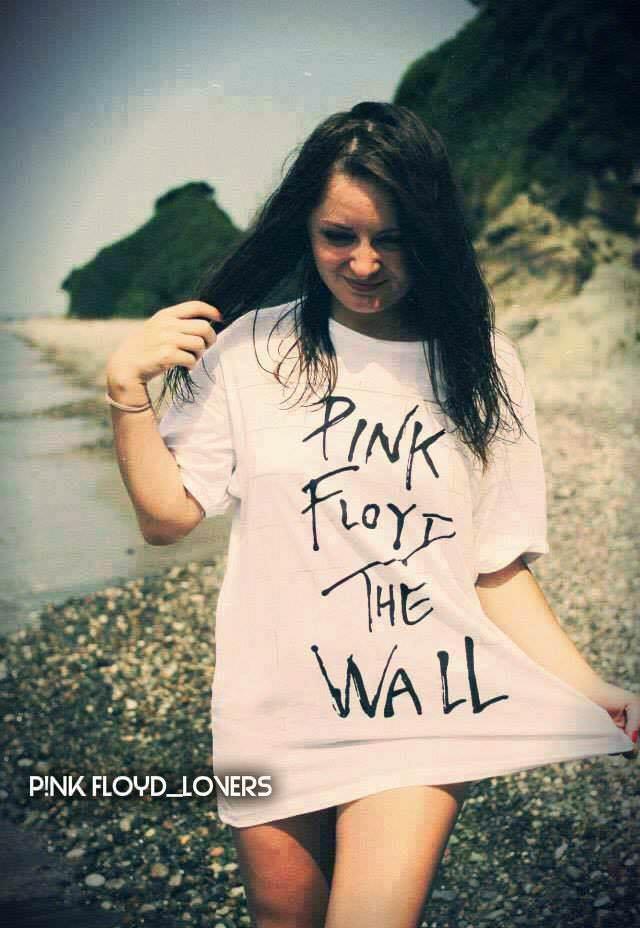 Beautiful-pink-floyd-ladies 1