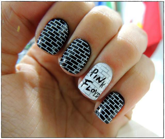 pink-floyd-nail-art 10