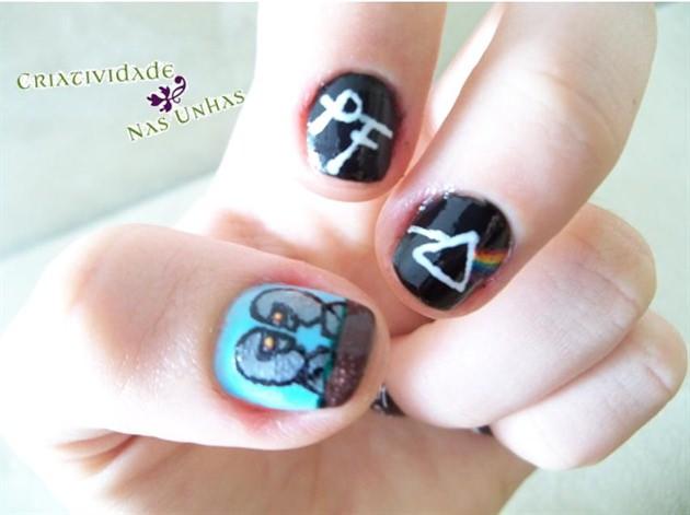 pink-floyd-nail-art 12