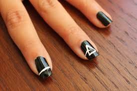 pink-floyd-nail-art 18