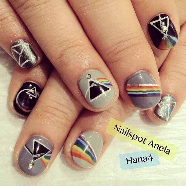 pink-floyd-nail-art 8