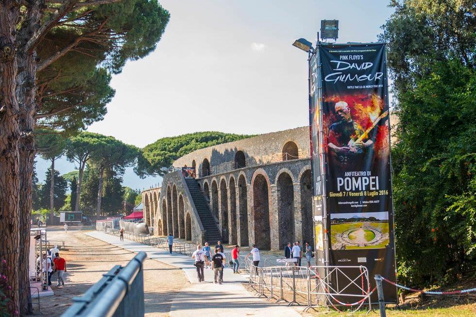 Gilmour-at-pompeii 10