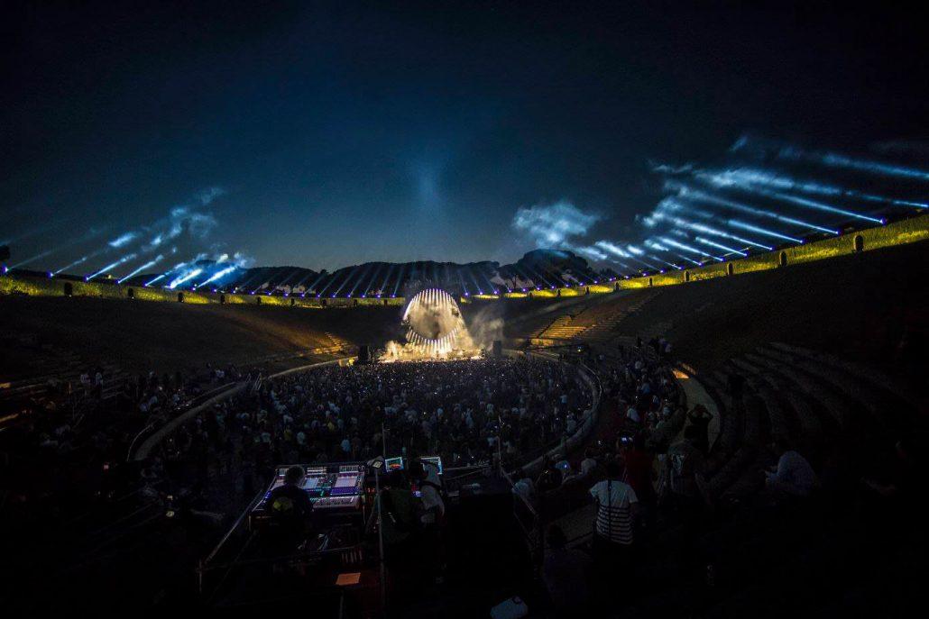 Gilmour-at-pompeii 12