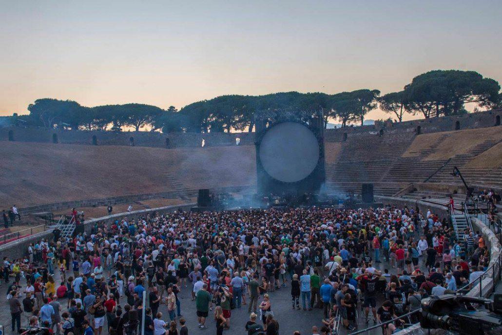Gilmour-at-pompeii 2
