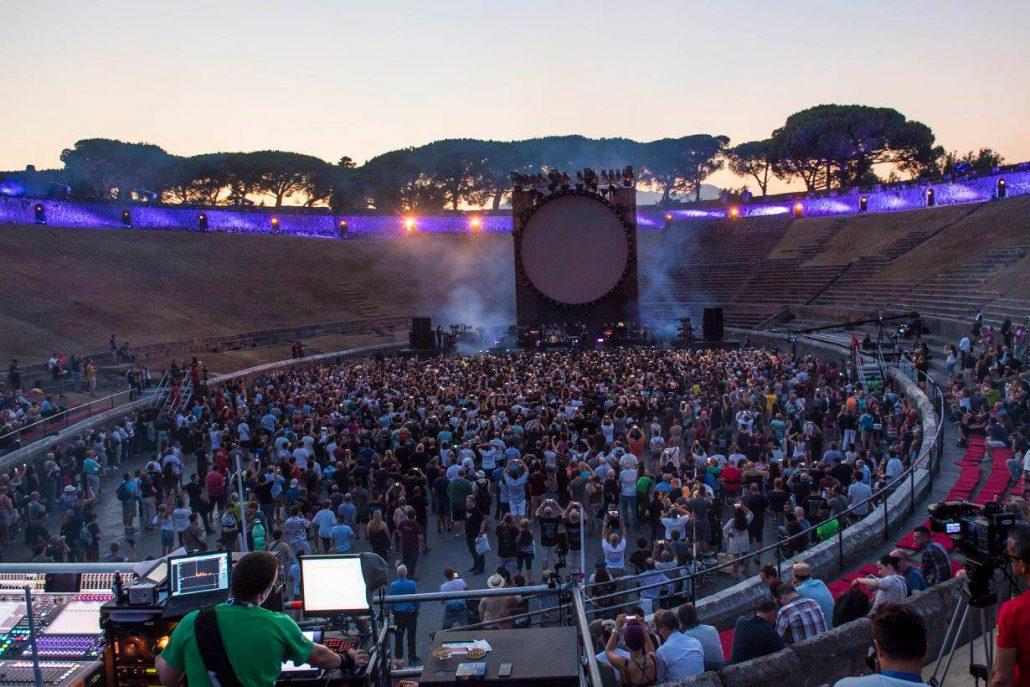 Gilmour-at-pompeii 22