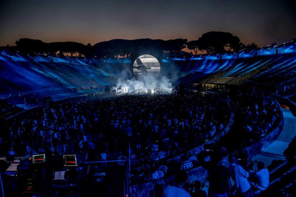 Gilmour-at-pompeii 30