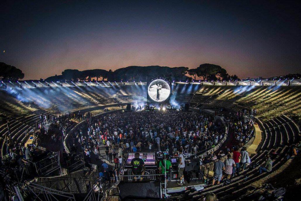Gilmour-at-pompeii 37
