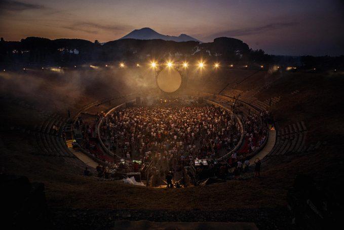 david-gilmour-pompeii-44