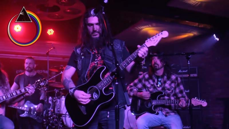 """Watch: Dave Grohl, Stone Sour and Machine Head Remember Dimebag with """"Wish You Were Here"""""""